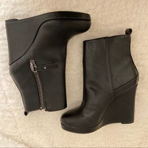 NWOB Nine West Platform Bootie-Vegan Leather